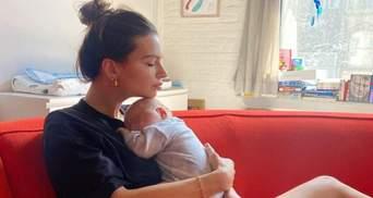 Емілі Ратажковські вперше показала обличчя 6-місячного сина: миловидні фото