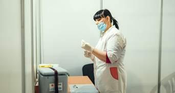 За добу в Україні виявили понад 9 тисяч COVID-хворих, госпіталізували близько 2 тисячі людей