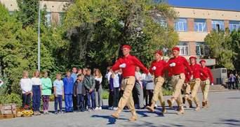 Милитаризация образования: в Севастополе учеников заставляют присягать Росгвардии