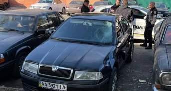 В Киеве пьяный водитель на скорости снес пешехода на переходе и скрылся