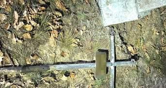 Вырвали кресты: на Ровненщине неизвестные осквернили 11 могил