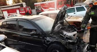 Спалахнули 6 автомобілів: показали наслідки масштабної пожежі в Кривому Розі