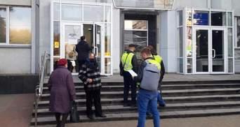 Киевская полиция обыскивала Святошинскую РГА