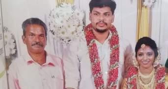 Убил жену коброй: мужчину в Индии приговорили к двойному пожизненному