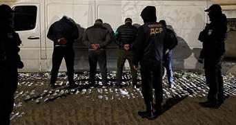 """В Одесі затримали банду професійних грабіжників: обкрадали склади """"7 кілометру"""""""
