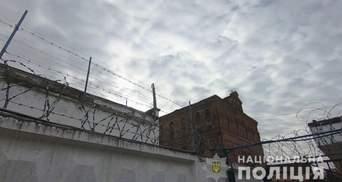 Сидів у СІЗО та грабував людей: в Одесі викрили інтернет-шахрая арештанта