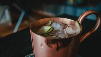 Кошерный алкоголь: что это такое и как его распознать – на примере водки