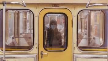 Парки и метро не надо закрывать: что может помочь преодолеть COVID-19 украинцам