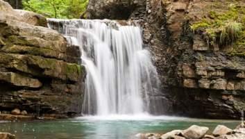 5 найгарніших водоспадів України, які варто побачити на власні очі: мальовничі фото