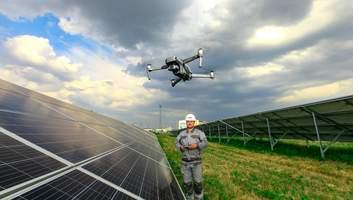 Розумні дрони на сонячних електростанціях: інноваційна перевірка сонячних панелей від ДТЕК ВДЕ