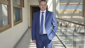 Попращатись із вадами слуху за державний кошт: інтерв'ю з Романом Єрмоличевим