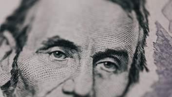Доллар должен стоить 11 гривен: The Economist обновил индекс Биг-Мака