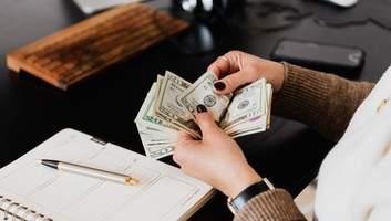 Доллар или евро: в какой валюте лучше хранить деньги в 2021 году