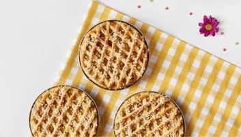 Пирог с курицей, финиками и мандаринами: праздничный рецепт