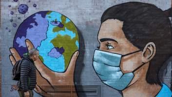COVID-19 может стать эндемической болезнью: вернемся ли мы к нормальной жизни
