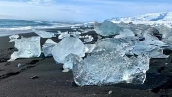 Как кадр из фантастического фильма: потрясающий бриллиантовый пляж в Исландии – фото и видео