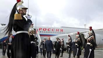 Кнутом и пряником: как Запад пытается утихомирить Москву
