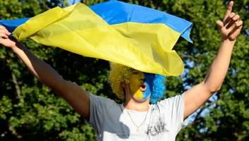 За русскую речь язык вырезают: как россиян запугали Украиной