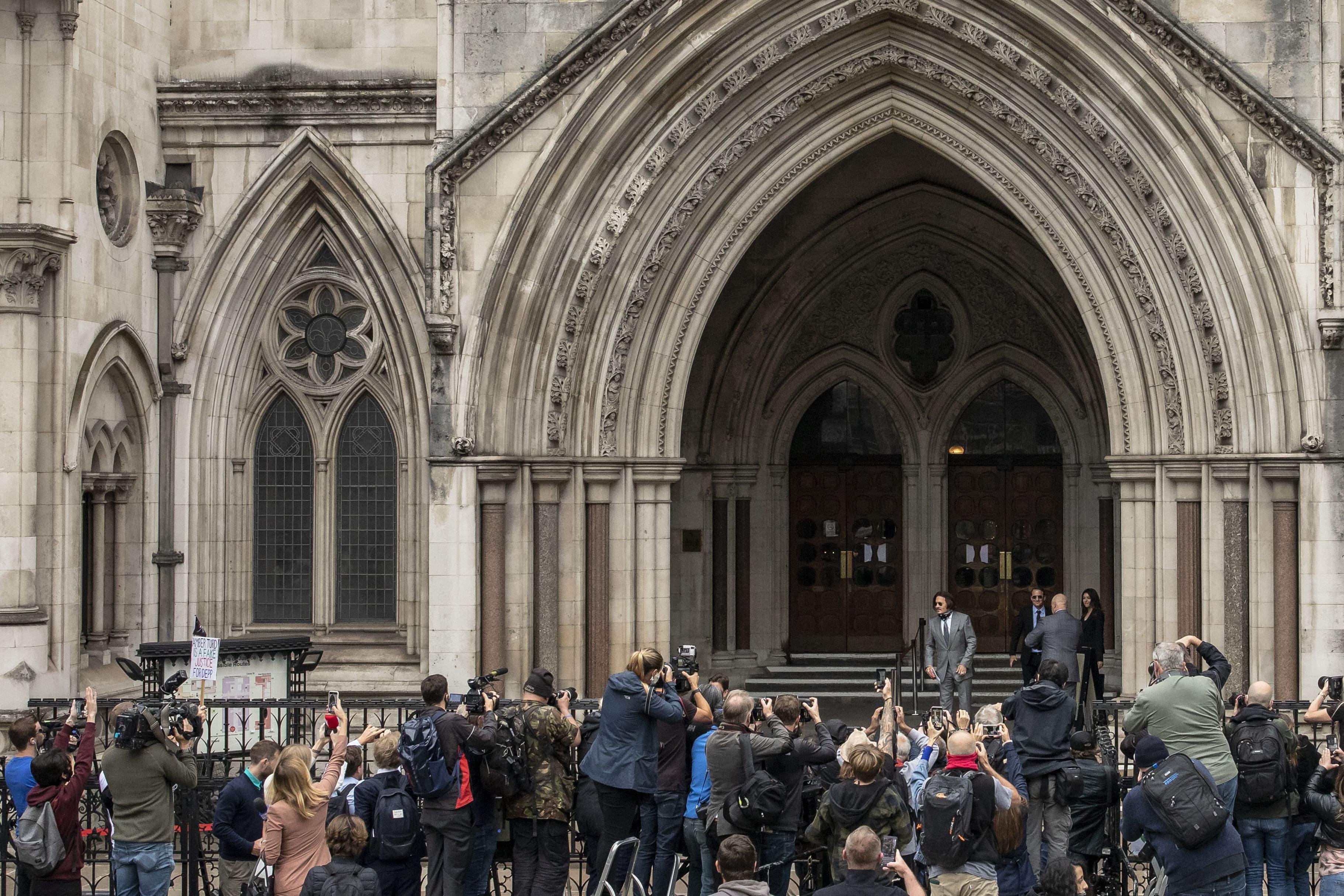 Джонні Депп на суді в Лондоні