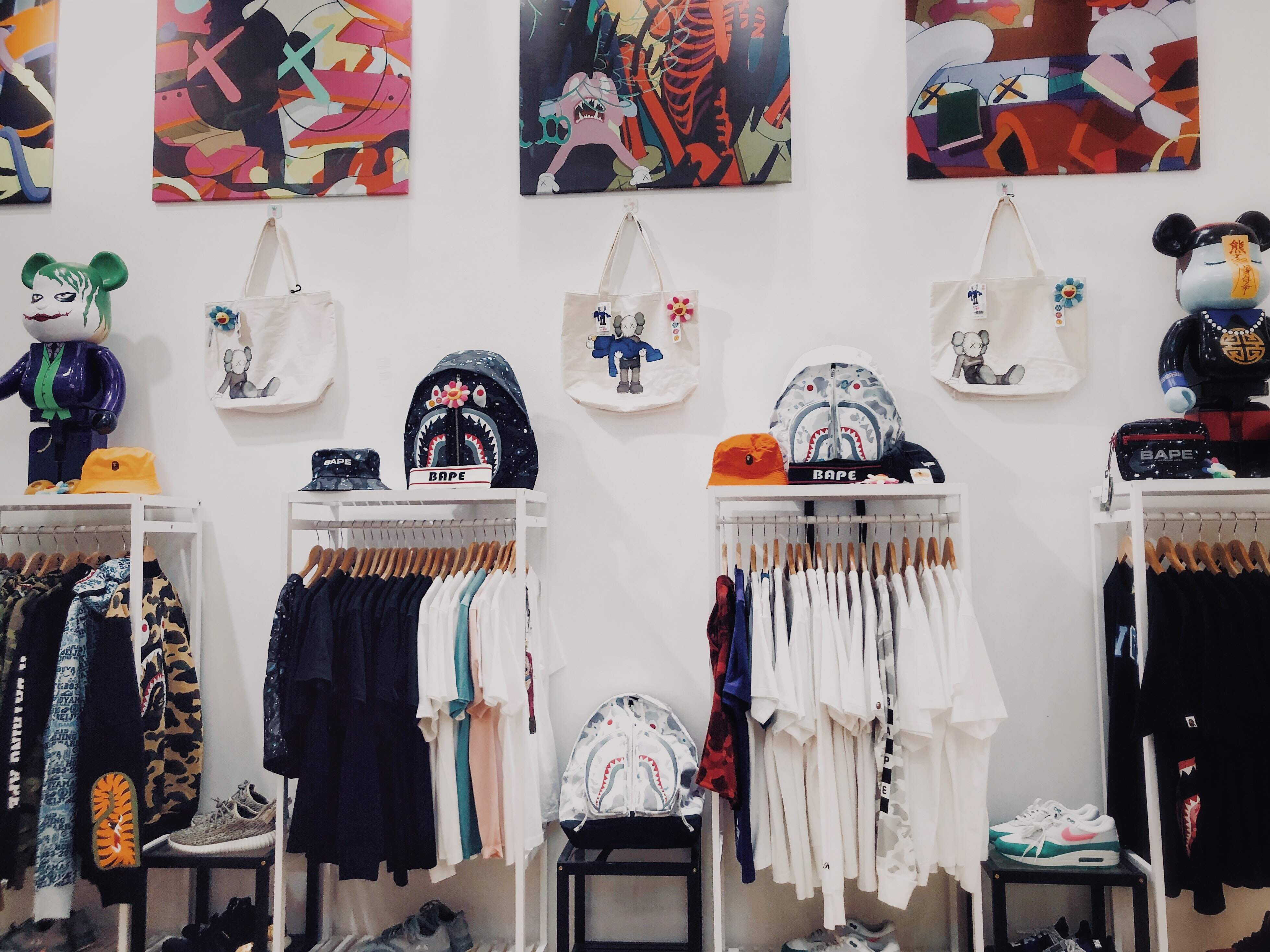 Самой популярной покупкой среди подростков будет одежда