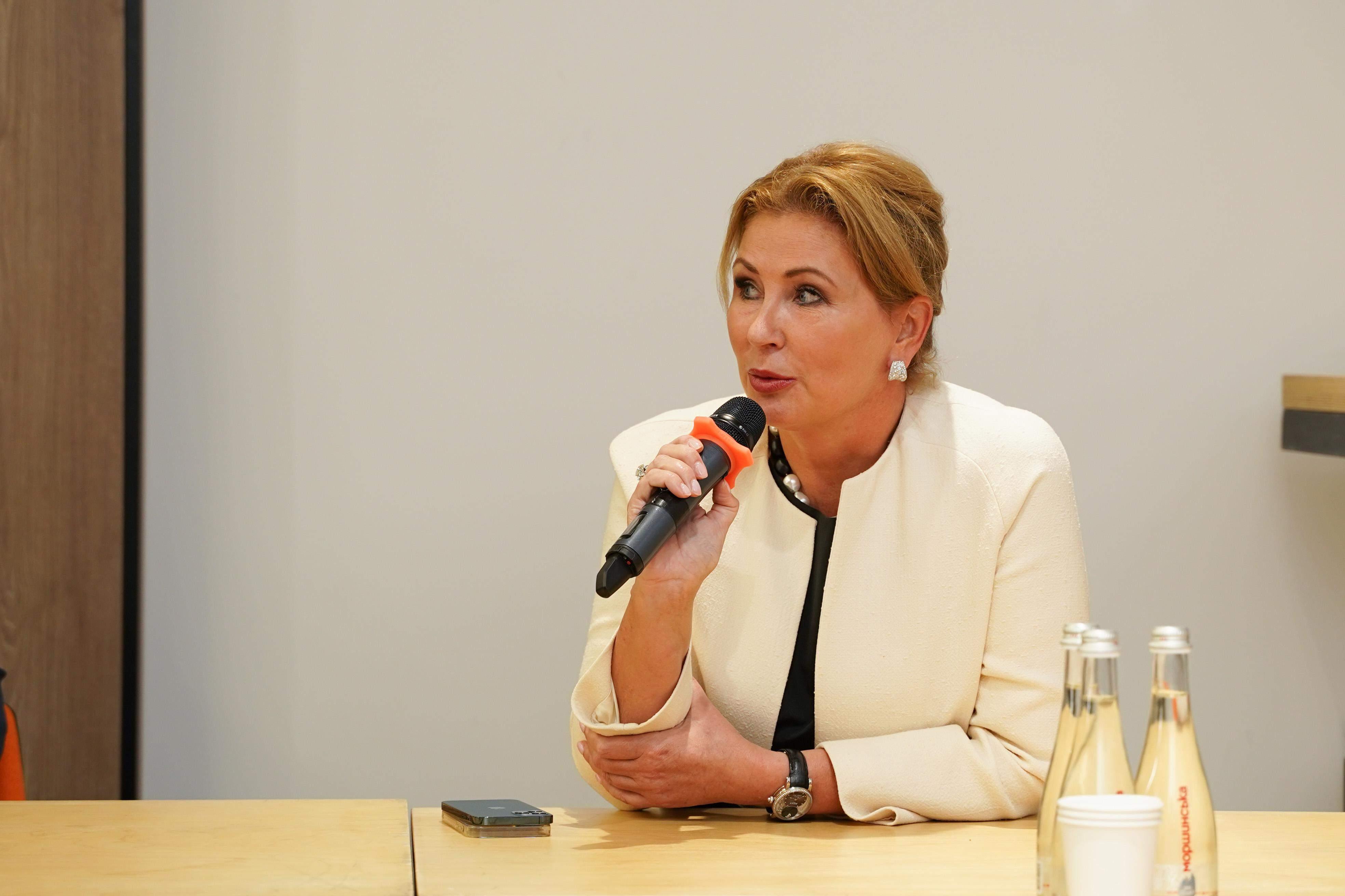 Олена Косюк розповіла про важливість просвітницької діяльності в Україні / Фото Latifundist