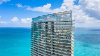 Будівля сотні балконів: приклад ідеального житлового будинку для самоізоляції з Флориди – фото
