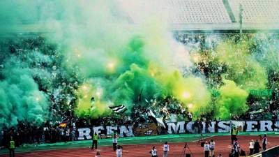 Украинские футболисты первыми в Европе сыграют матч с болельщиками на стадионе
