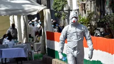 Бідність та мільйони хворих мігрантів у Індії: як коронавірус вдарив з новою силою