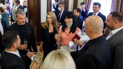 Потап, Билык, Ефросинина и Мирзоян: как звезды отреагировали на награды от Зеленского – фото