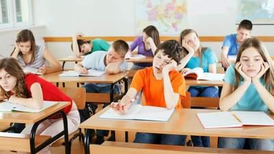 """Депутаты хотят отменить бесплатное получение среднего образования """"один раз в течение жизни"""""""