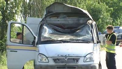 Підрив авто Укрпошти: поліція затримала підозрюваних у викраденні майже 3 мільйонів