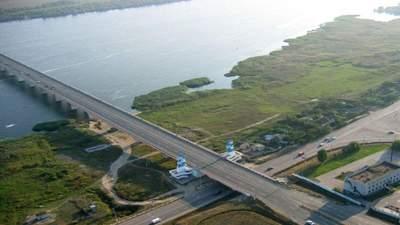 Перекрытие моста на Херсонщине: почему протестуют владельцы ночных клубов