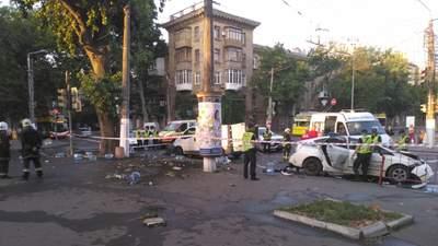 Патрульні протаранили мікроавтобус в Одесі: нові деталі – фото, відео