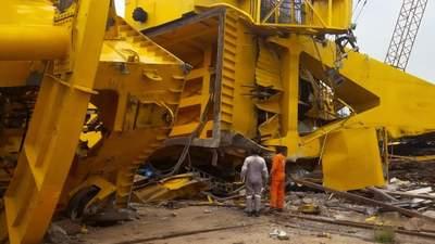 70-тонний кран впав і розчавив робітників в Індії: 11 загиблих – моторошне відео 18+