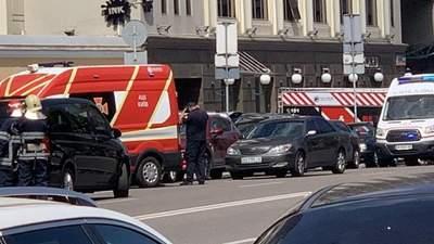 В Киеве террорист пришел в банк, вероятно, со взрывчаткой: полиция начала спецоперацию