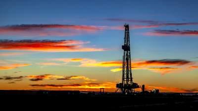 Запасы нефти в США стремительно падают: как это влияет на цены сырья и что говорят эксперты