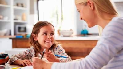 Як стати наставником для дитини з інтернату: хто може ним бути та чи замінює це всиновлення