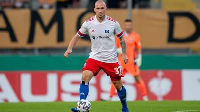 Німецький футболіст після ганебної поразки побив зухвалого фаната на трибуні: відео