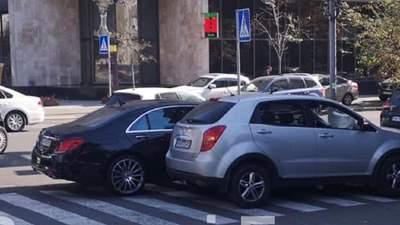 Знову на пішохідному переході: син нардепа Шуфрича потрапив у ДТП у Києві