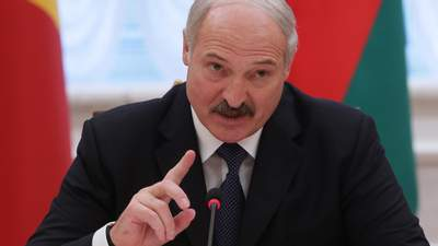 Почему ЕС не вводит санкции, а Кремль не спешит поддерживать Лукашенко: причины