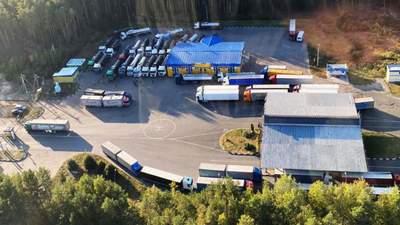 Затор на українсько-білоруському кордоні: вантажівки – досі у довгій черзі