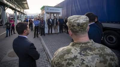 Шість діб у черзі, – Зеленського обурила ситуація на кордоні України й Словаччини