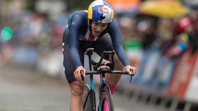 Чемпіонка світу зірвалася в обрив під час велогонки – вона була лідеркою перегон: відео
