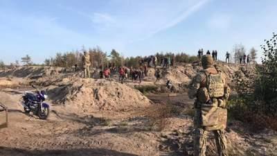 СБУ провела масштабну спецоперацію проти нелегальних копачів бурштину: фото й відео
