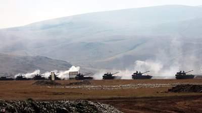 Обстрел столицы Карабаха, сбитие вертолета: Азербайджан и Армения возобновили боевые действия