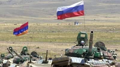 Россия, несмотря на нейтралитет, перебрасывает оружие на армянскую границу, – эксперт