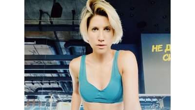 Як правильно качати прес вдома: 4 вправи від Аніти Луценко для красивого тіла