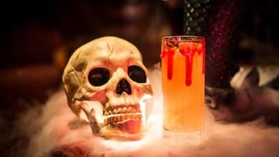 Коктейли на Хэллоуин: 7 лучших рецептов