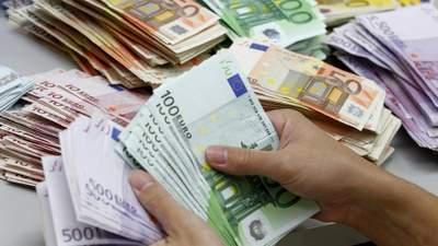 Фінансова безграмотність: чому українці не вміють користуватись грошима