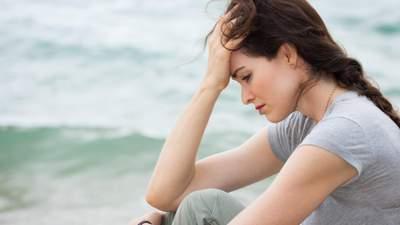 Не будьте своим врагом: 9 признаков того, что вы слишком переживаете и как это побороть